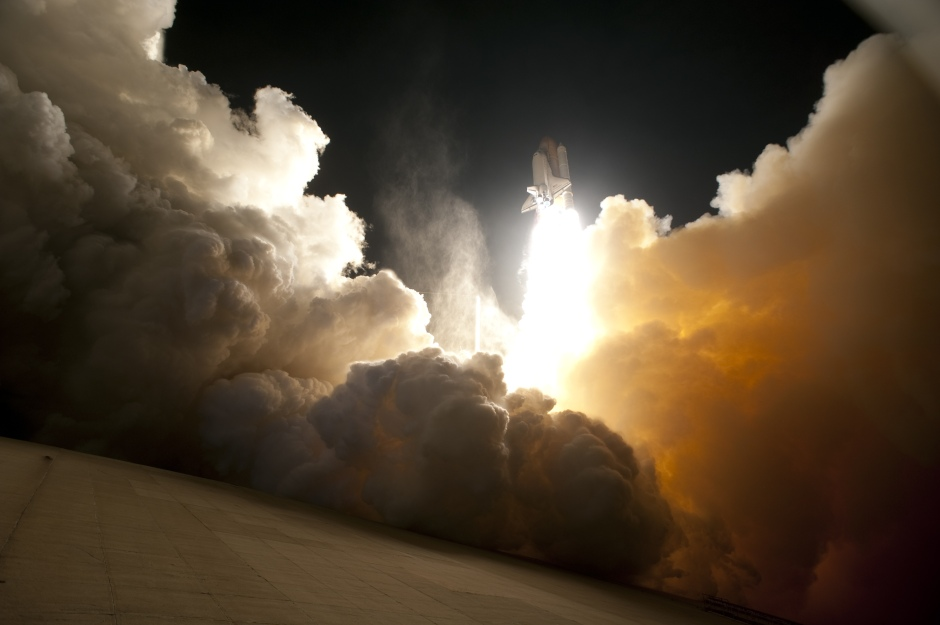sts-130-night-launch